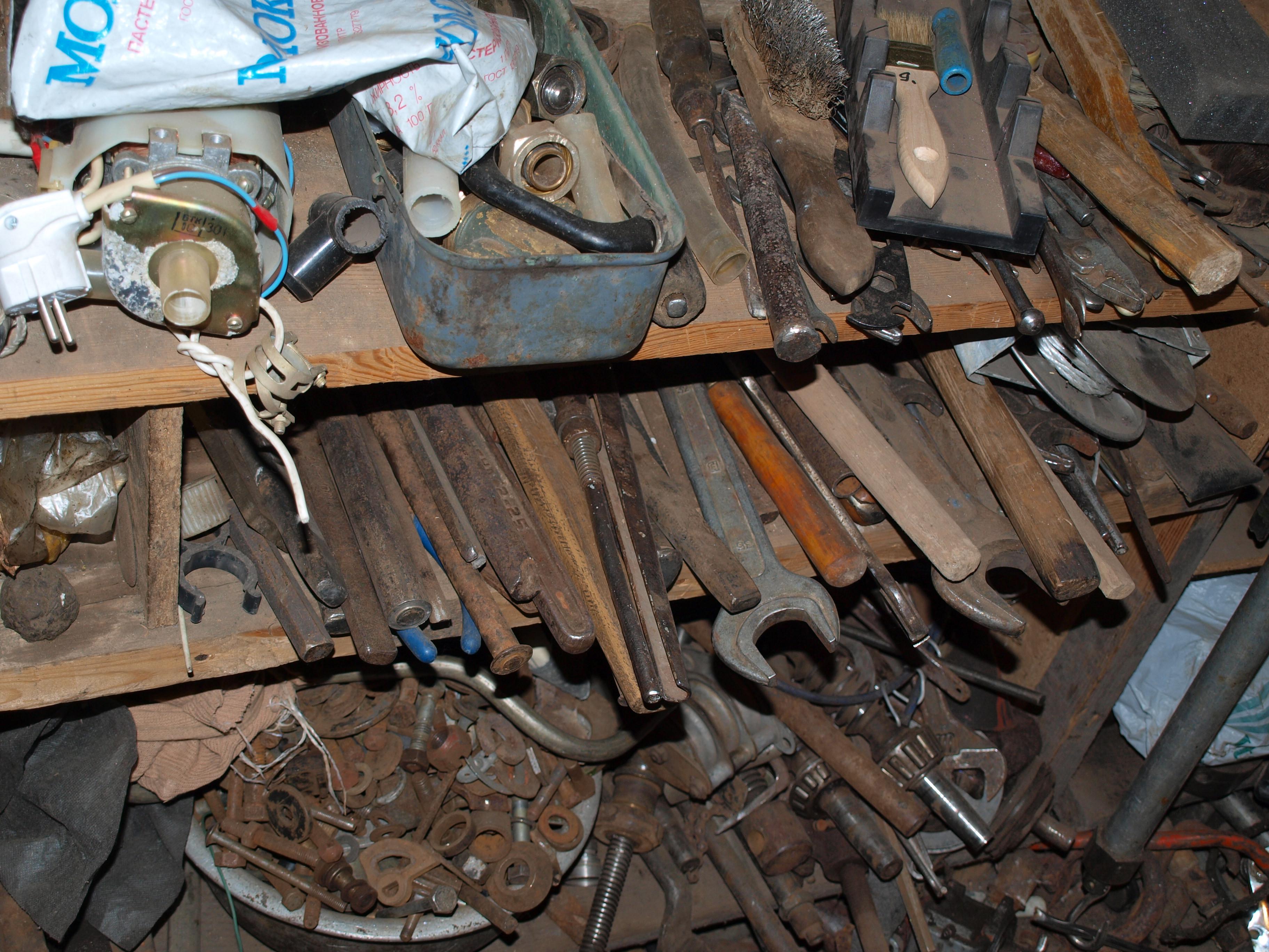 Старый инструмент