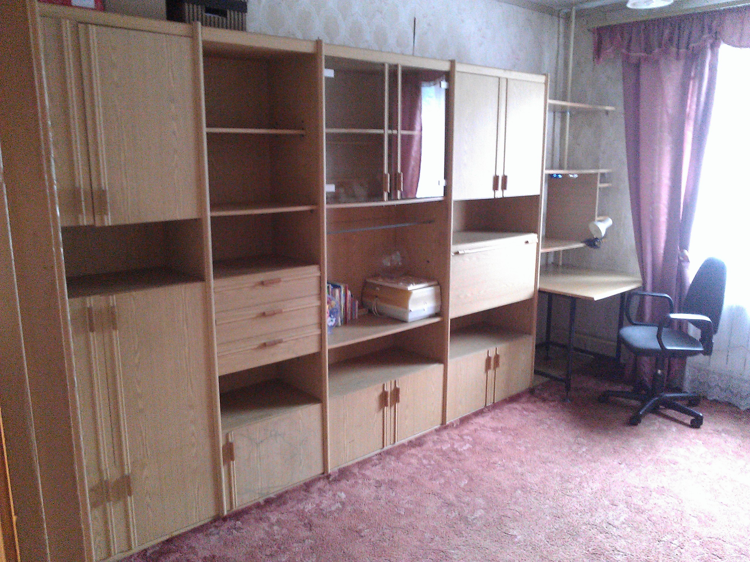 Советская мебельная стенка